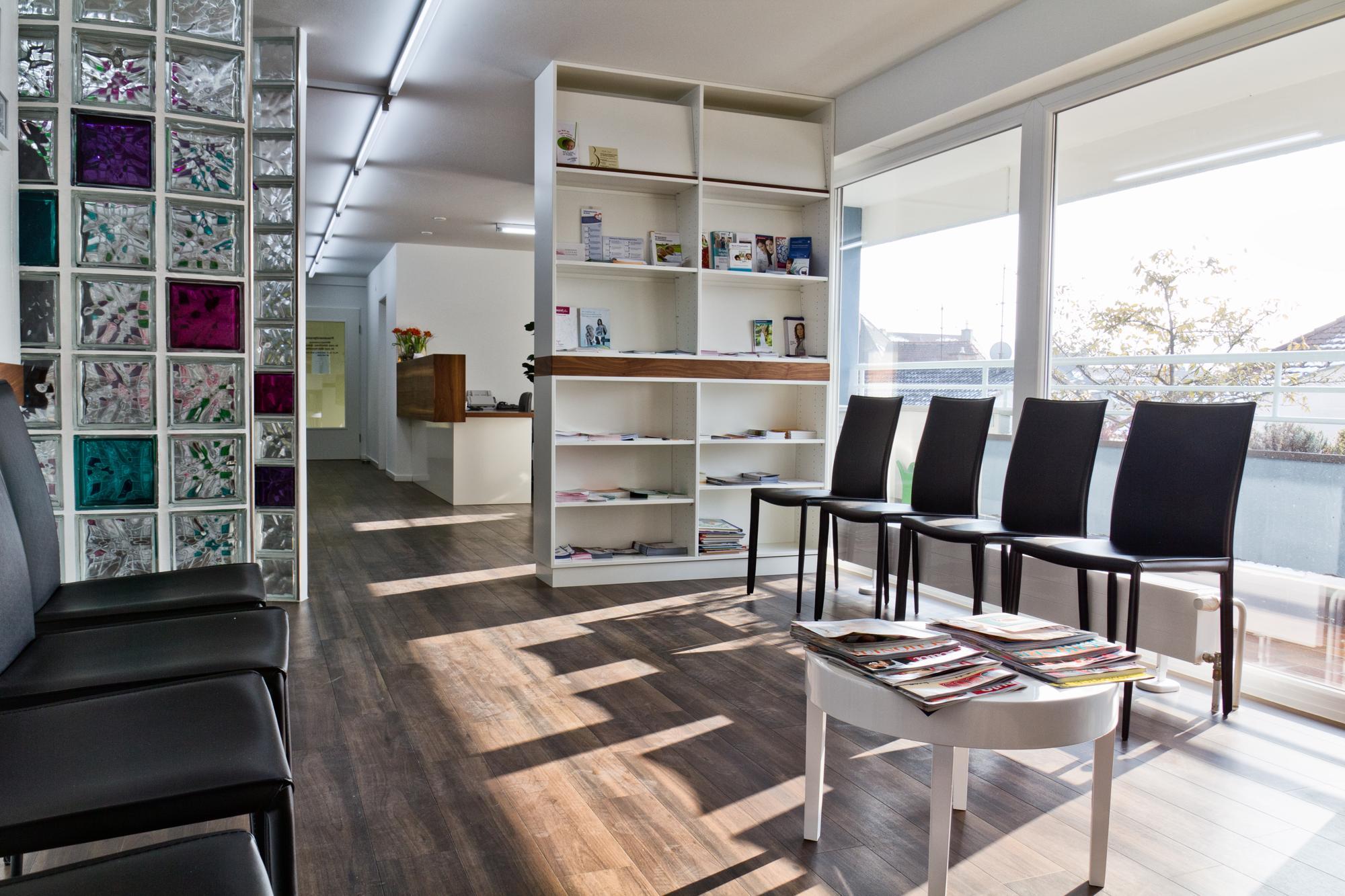 Wartezimmer Frauenarztpraxis Rheinfelden